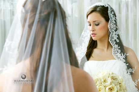 Model with veil and wedding dress, Warmowski Photography