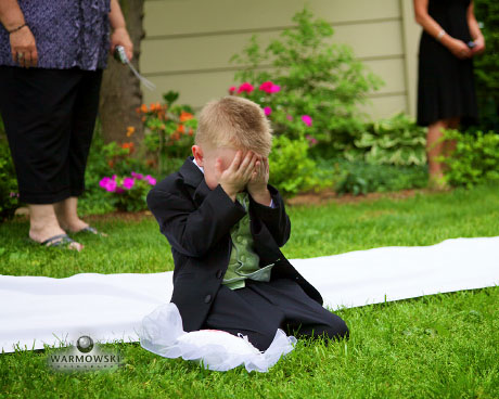 Ring bearer has enough of heat and pressure - WarmowskiPhotography.com