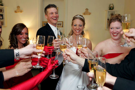 bride-groom toast, by http://www.WarmowskiPhotography.com