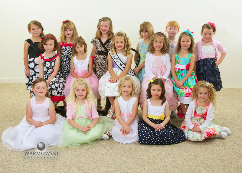 2012 Morgan County Fair Princess contestants group photo, http://www.warmowskiphoto.com