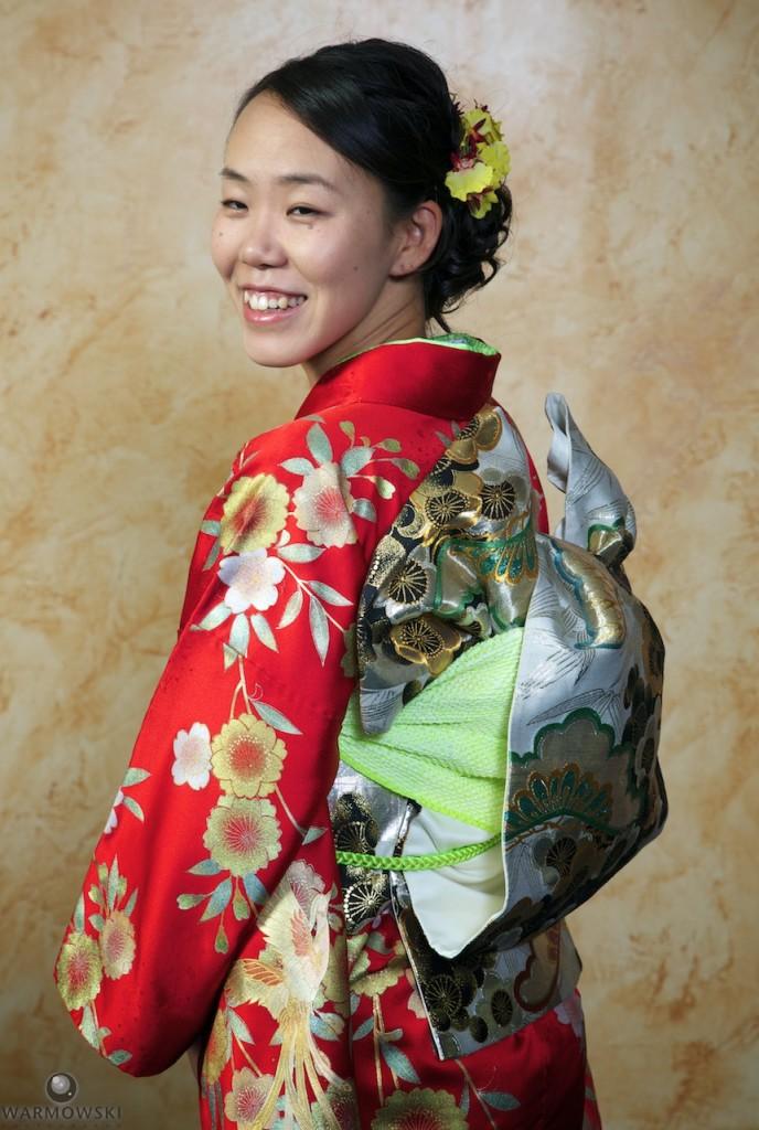 Shiori in her wedding kimono.