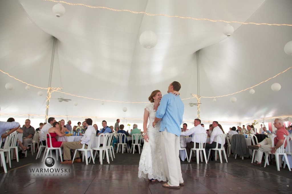Ashlee & Justin's first dance in Euro ten at Buena Vista (by Warmowski Photography).