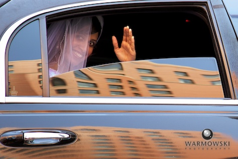 Bride in limo - Rushita & Benjamin (by Warmowski Photography)