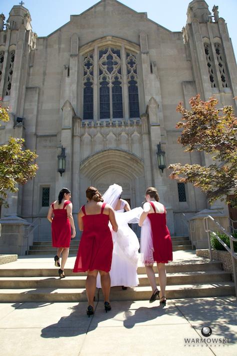 Approaching  Blessed Sacrament Catholic Church - Rushita & Benjamin (by Warmowski Photography)