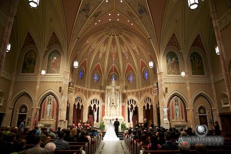 Interior, Blessed Sacrament Catholic Church - Rushita & Benjamin (by Warmowski Photography)