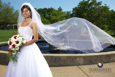 Veil flows in wind, portraits at Washington Park - Rushita & Benjamin (by Warmowski Photography)