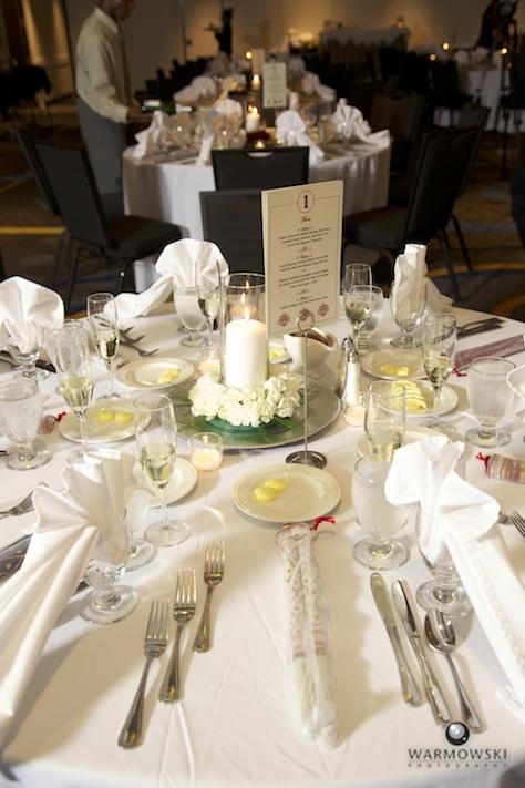 Tables set for grand reception, Hilton - Rushita & Benjamin (by Warmowski Photography)