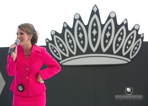 2014 Queen Brianna Klein in speech.