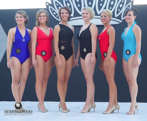Queen contestants in bathing suits.