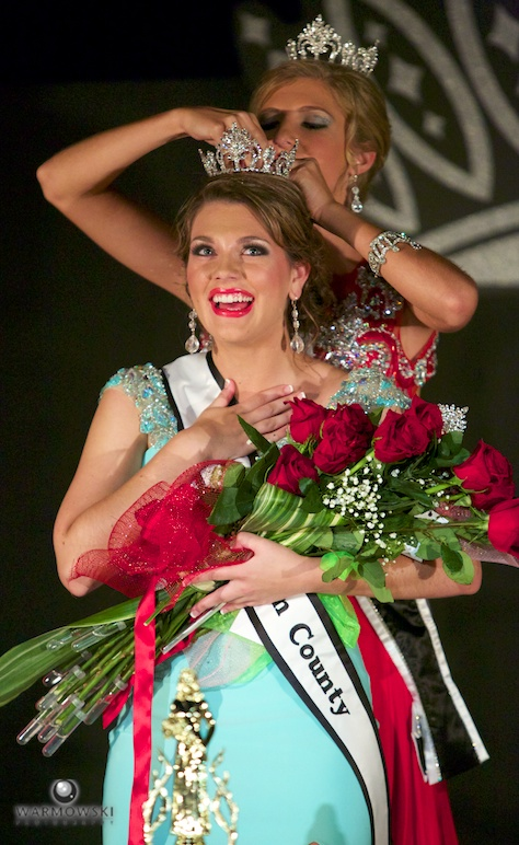 Brianna Klein crowned 2014 Morgan County Queen.